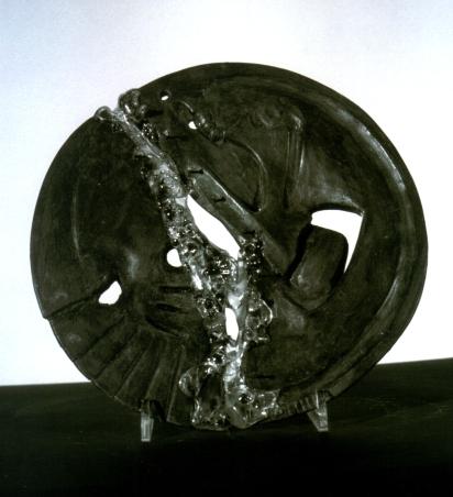 Terracotta ingobbiata – vetro fuso – 1997 Diametro cm 20